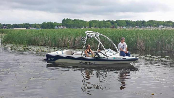wake boat